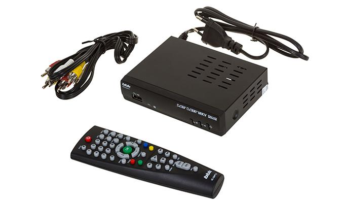 Цифровой тюнер BBK SMP240HDT2